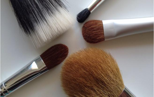 pinceaux,maquillage, éponges